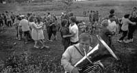 17. Танцы за околицей. Разъезд Бижеляк Челяб. обл., 1972 г.