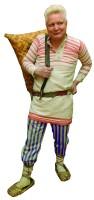65. В удмуртском костюме, лето 2011 года